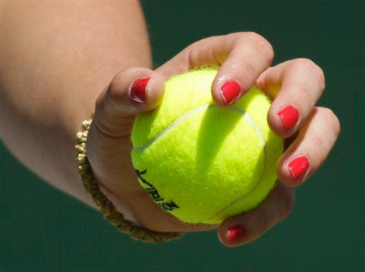 feminine tennis