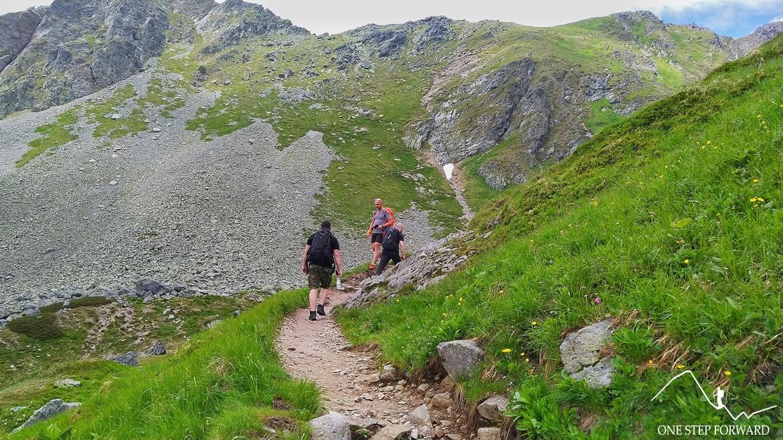 Szlak na Wyżnią Koprową Przełęcz i Koprowy Wierch