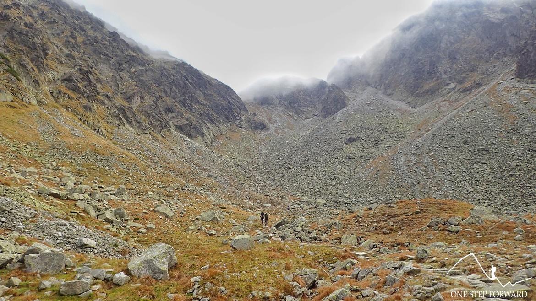 Dolina Pańszczycy - kamienisto - piarżyste podejście na Krzyżne