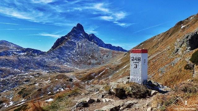 Widok na Rohacz Ostry (2088 m n.p.m.) w Tatrach Zachodnich