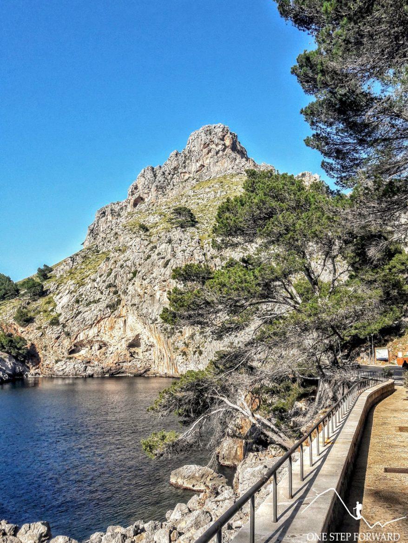 Sa Calobra, Majorka - widok na otaczające szczyty