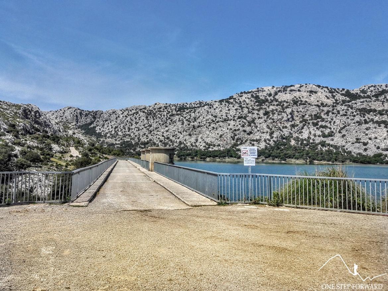 Nad jeziorem Cuber - Ruta de Tres Miles, Majorka
