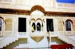 Some windows and doors were opened, Jaisalmer (2000)