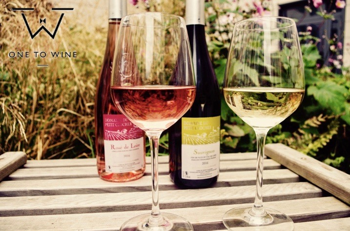 white and rose wines and glass of wine
