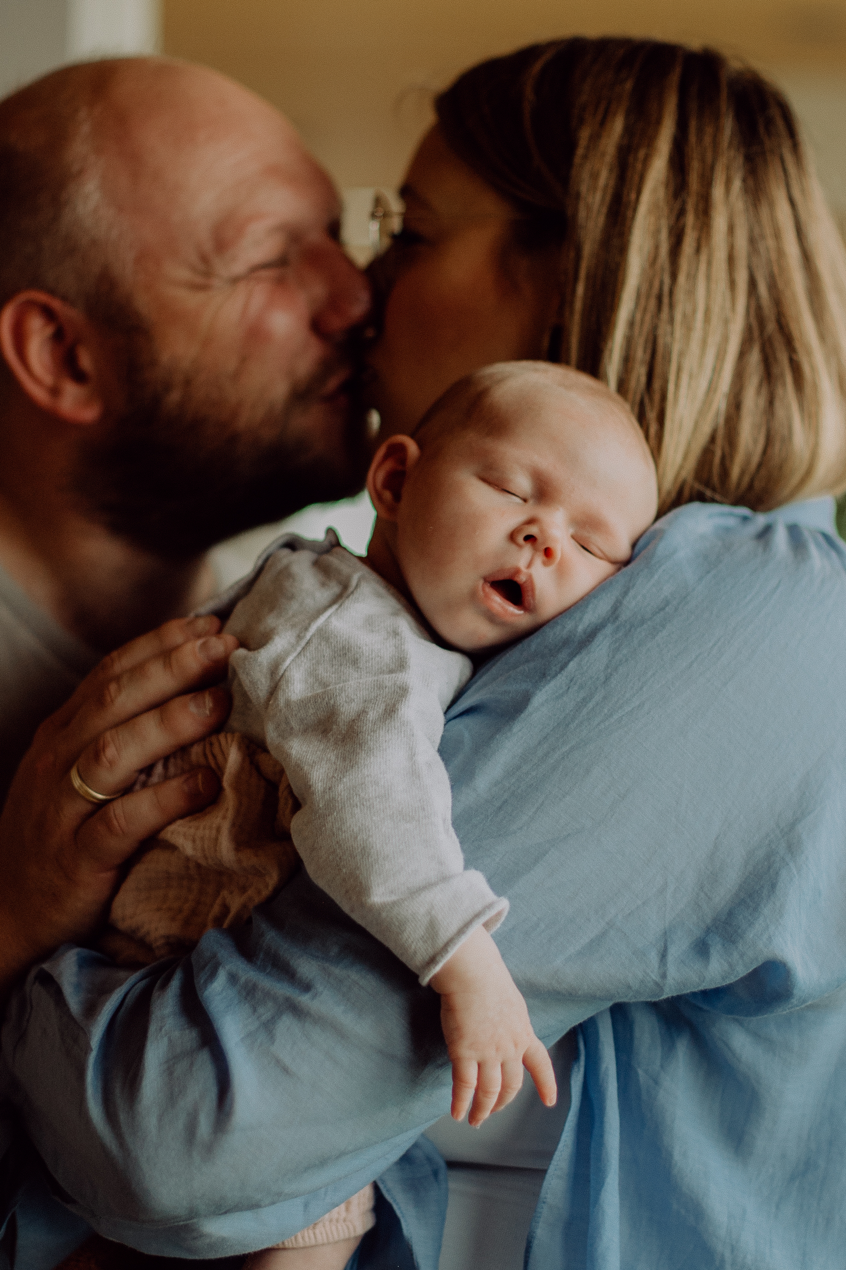 Anna und Christian beim Newbornshooting in Vohburg.