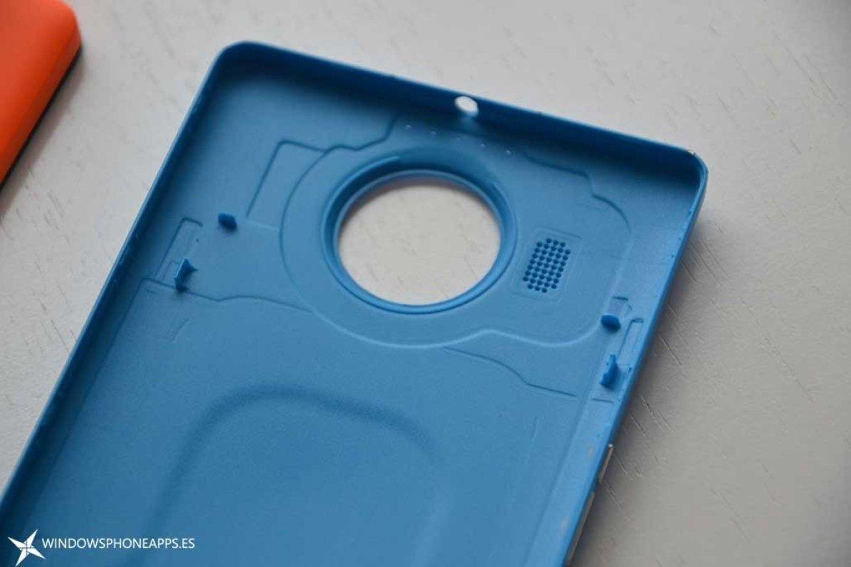 carcarsa azul lumia 950 XL detalle