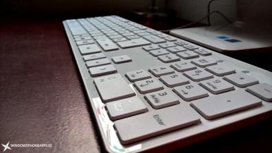 LG-22V240-teclado-vista-profundidad