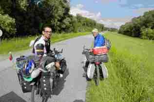 Zwei Radkollegen aus Serbien auf dem Weg nach Spanien