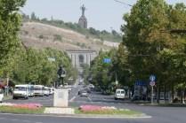Sowjeterbe: Mutter Armenia thront über der Stadt