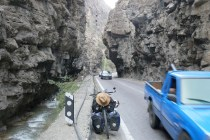 Bergstrasse hoch auf 3200 m von der Küste Richtung Teheran