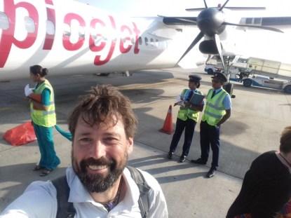 In 50 Propellerminuten von Madurai nach Colombo