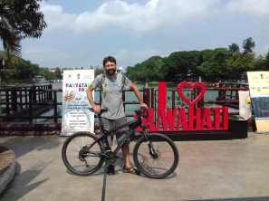 Stadtrundfahrt mit MTB von Gastgeber Ritu. Hat Laune gemacht, mal wieder leicht unterwegs zu sein.