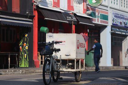 Es gibt kaum Müll auf den Stassen Singapurs, hochpreisige Kehrmaschinen braucht es nicht.