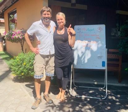 Tammy aus Köln, klasse Yoga-Leherin im Resort.