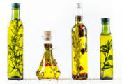 Untreated oil and garlic mixtures image
