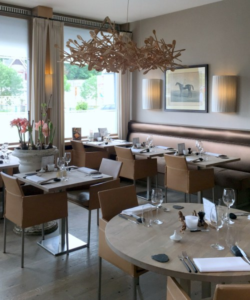 a delicious #bistronomie lunch paired with @vinsdeBourgogne at Les Eleveurs - review by @onfoodandwine
