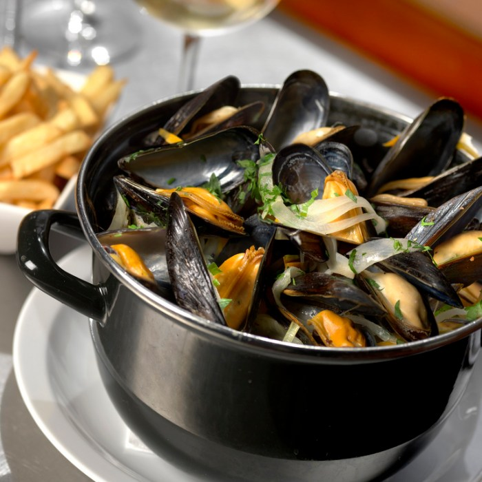 #restaurant #musselsandfrites #Brussels #moulesfrites @onfoodandwine