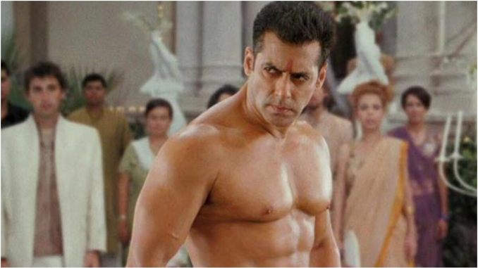 Salman Khan Birthday: 5 Awesome Shirtless Fight Sequences of the Actor That Will Make You Say 'Koi Toh Rok Lo'