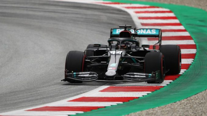 Lewis Hamilton and Max Verstappen Involved in Shock Collision During Lap 1 of the British Grand Prix, Watch Video