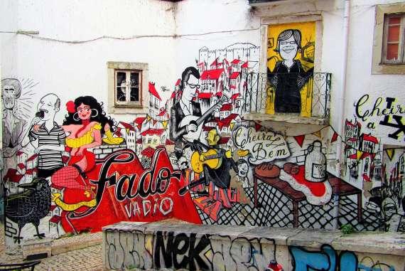 Street Art Fado à l'Alfama à Lisbonne