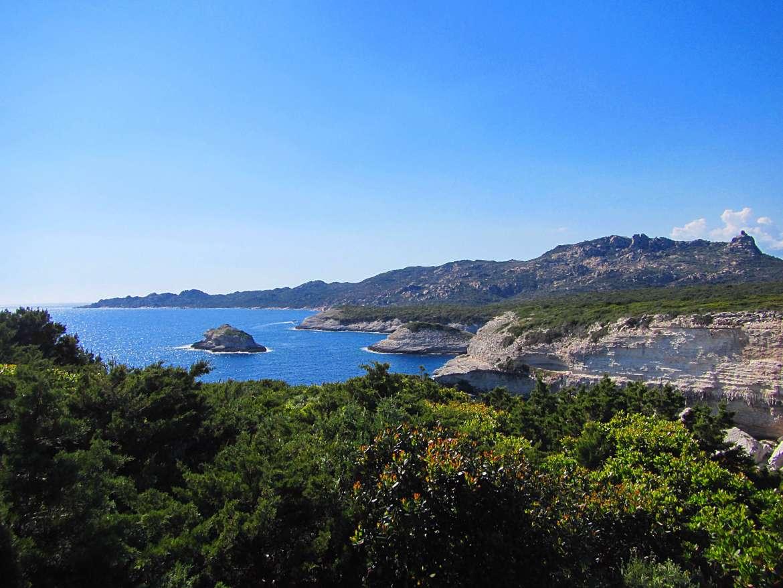 Granit rose depuis le maquis en Corse du Sud