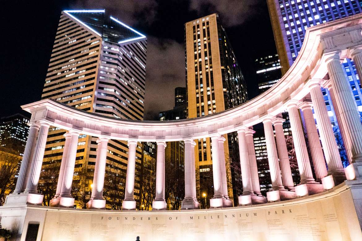 Millennium Monument de nuit Chicago