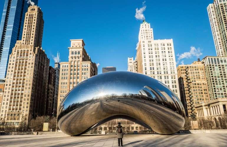 The Cloud Gate et la skyline Chicago