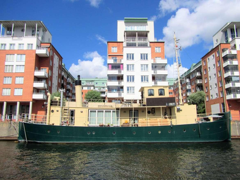 Péniche sur les canaux de Stockholm
