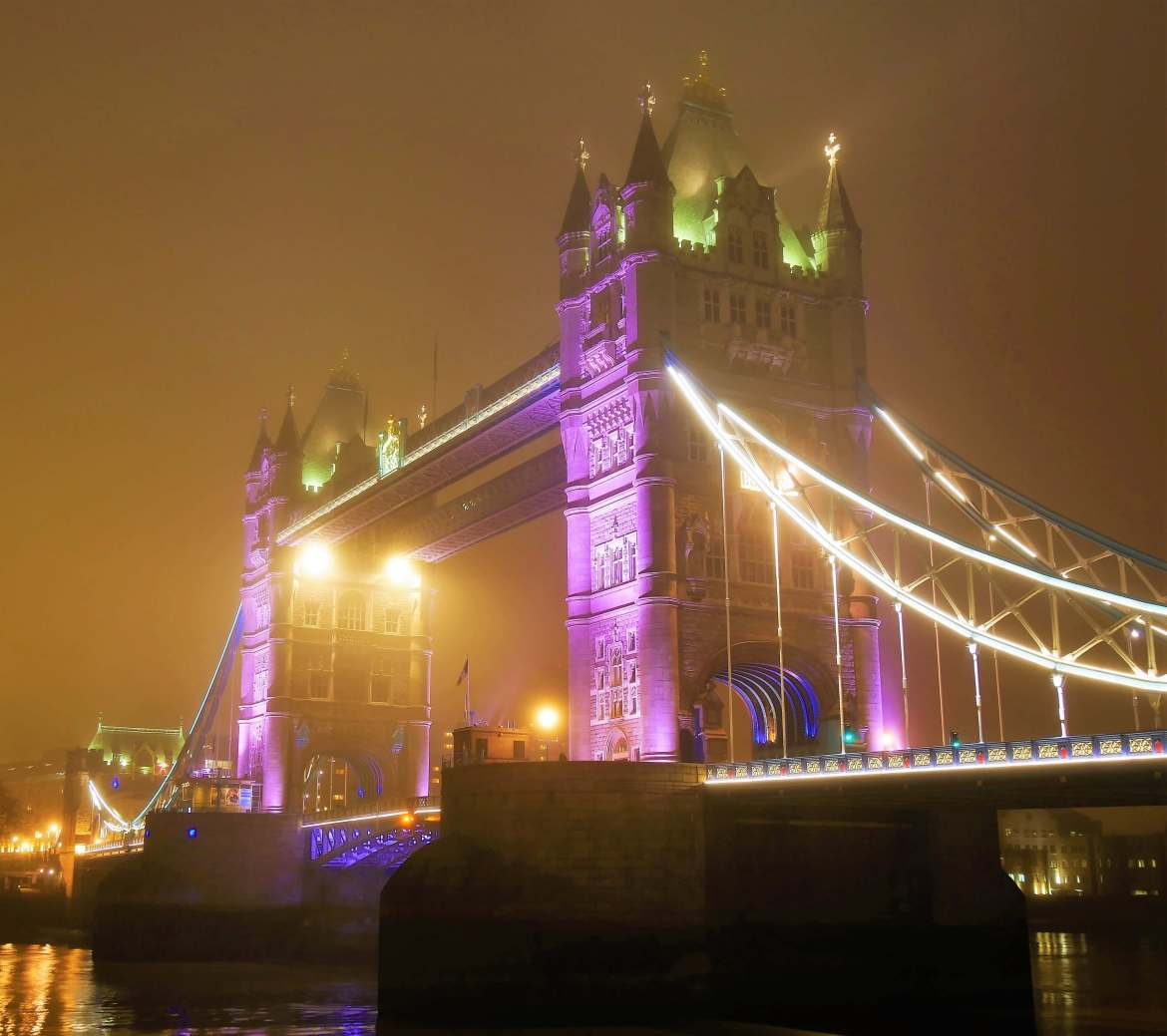 Incontournables de Londres, le Tower Birdge de nuit