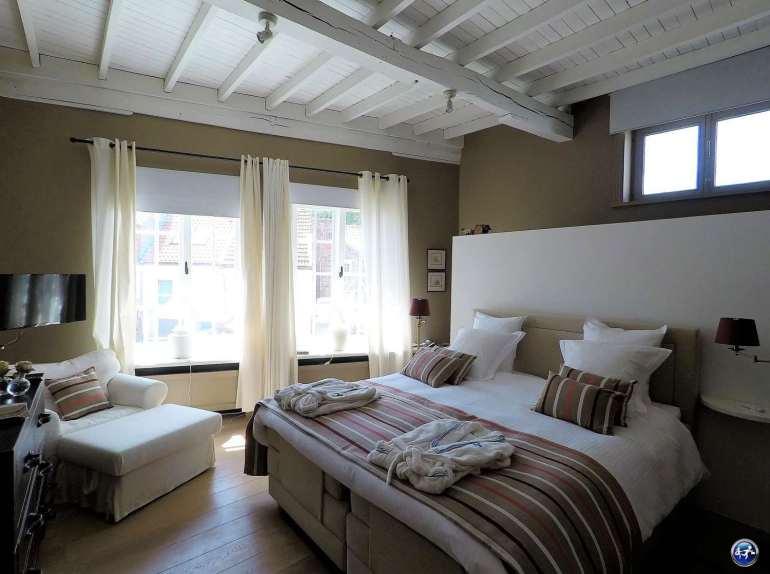 bed and breakfast à Bruges avec une chambre romantique