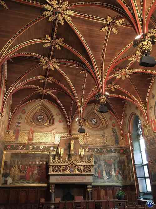 Visiter l'intérieur de l'Hôtel de Ville à Bruges