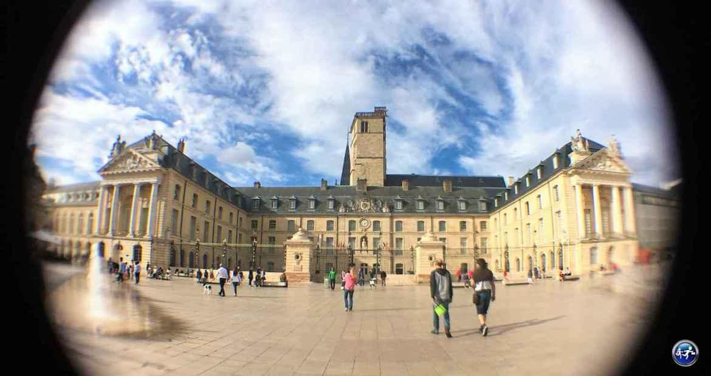 Place de la Libération à Dijon en Bourgogne en France