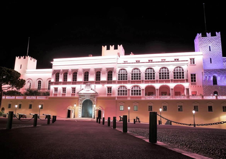 Vue du Palais de Monaco de nuit