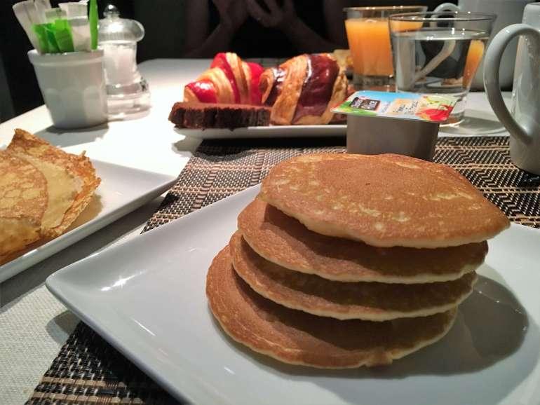 Le petit déjeuner de l'hôtel Columbus à Monaco