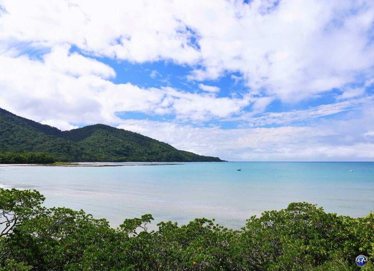 vue plage cape tribulation daintree rainforest queensland australie blog voyage suisse cosy