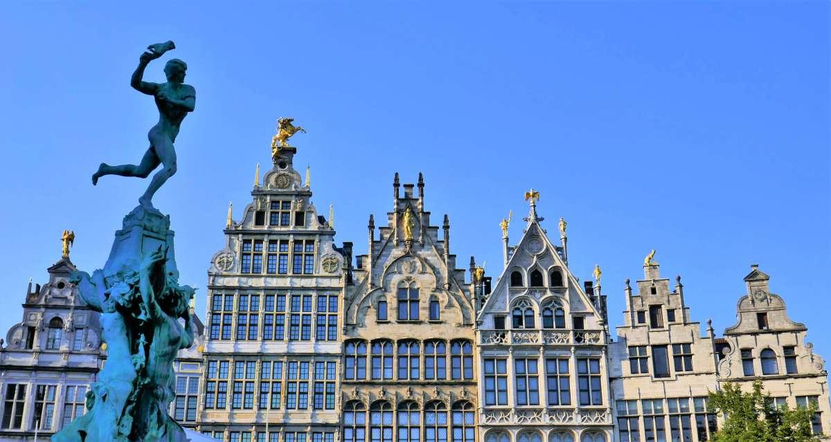 Ce week-end, je pars 2 jours visiter Anvers à pied parce que...