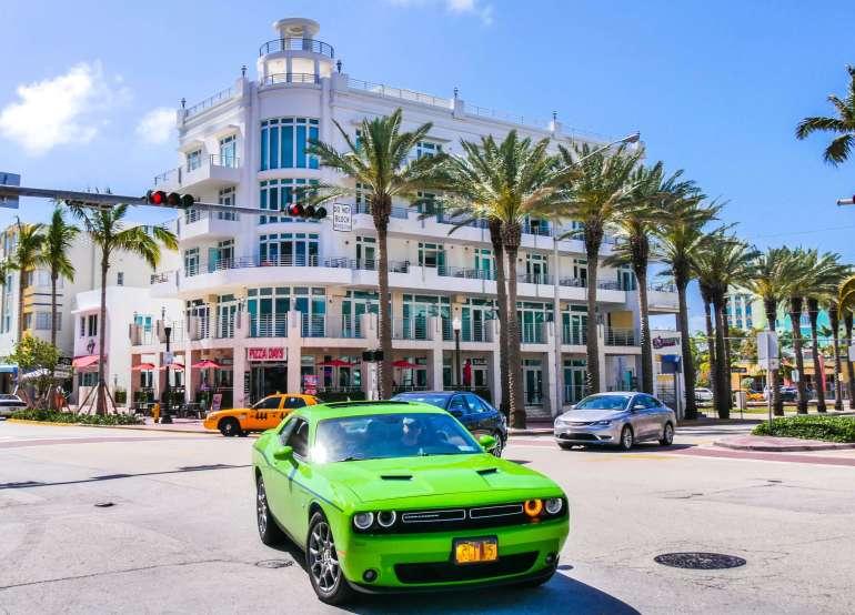 Cliché d'Ocean Drive à Miami Beach