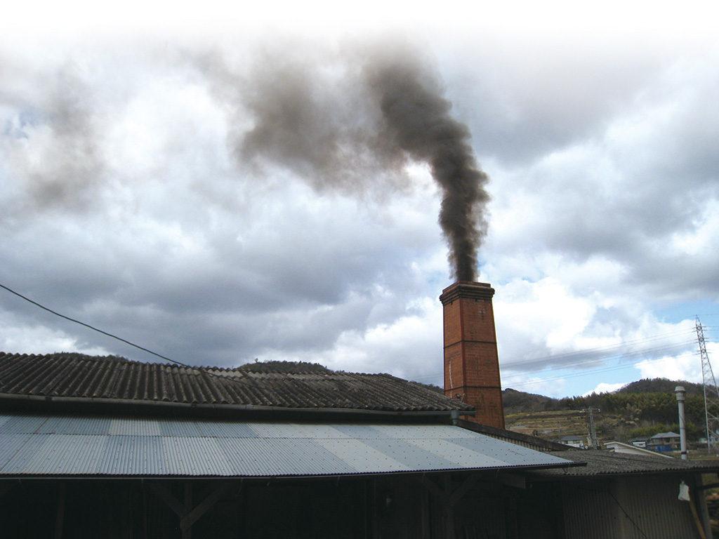 亜登武窯の煙突