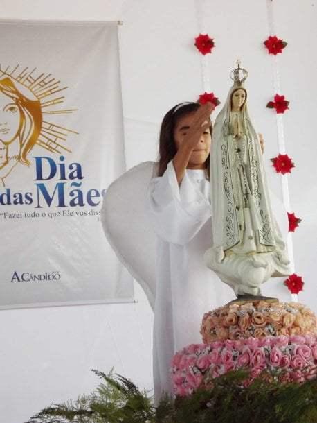 A coroação da imagem de Nossa Senhora