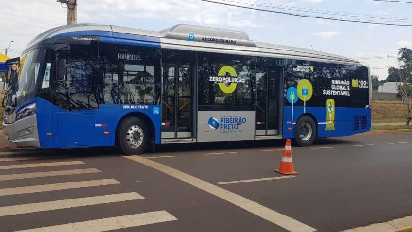 Ribeirão Preto recebe ônibus 100% elétrico para teste operacional
