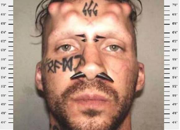 どうしていれた?なタトゥーを入れたマグショット集