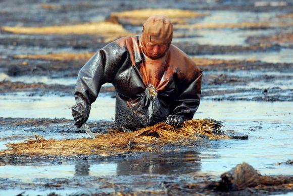 遼寧省の掃除をする労働者