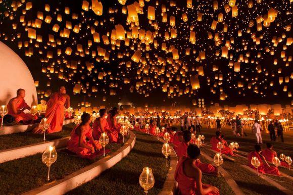 チェンマイ・イーペン祭り タイ