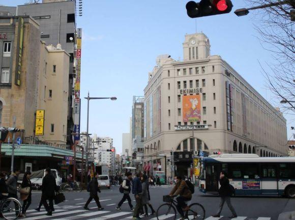東京大空襲から今年で70年。今と当時の東京の写真を見比べてみた。