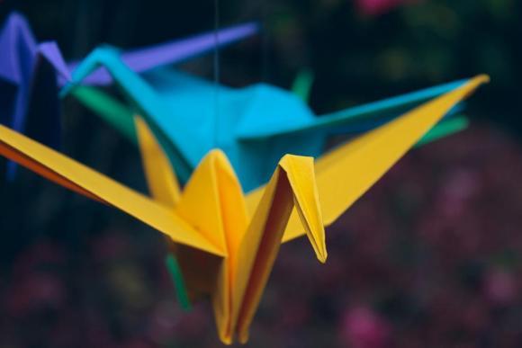 すごい!きもい!キレッキレに踊る折り鶴を作ってみた動画がすごすぎる