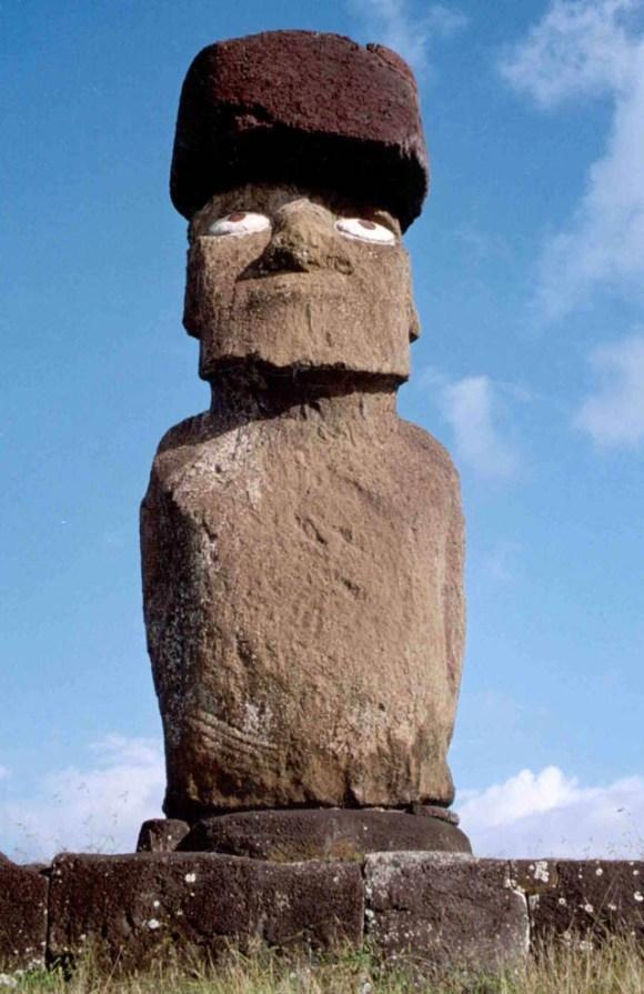 srestored_moai_at_ahu_ko_te_riku