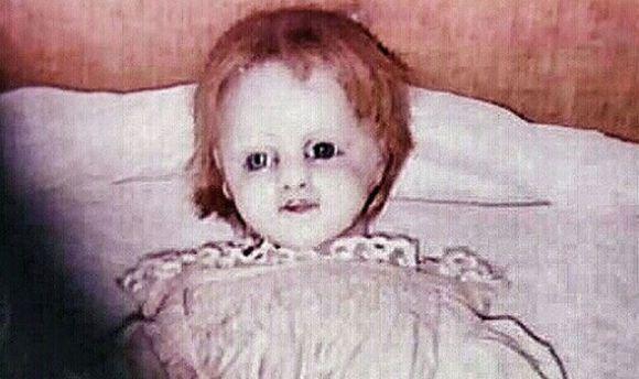 camera-shy-doll-599181