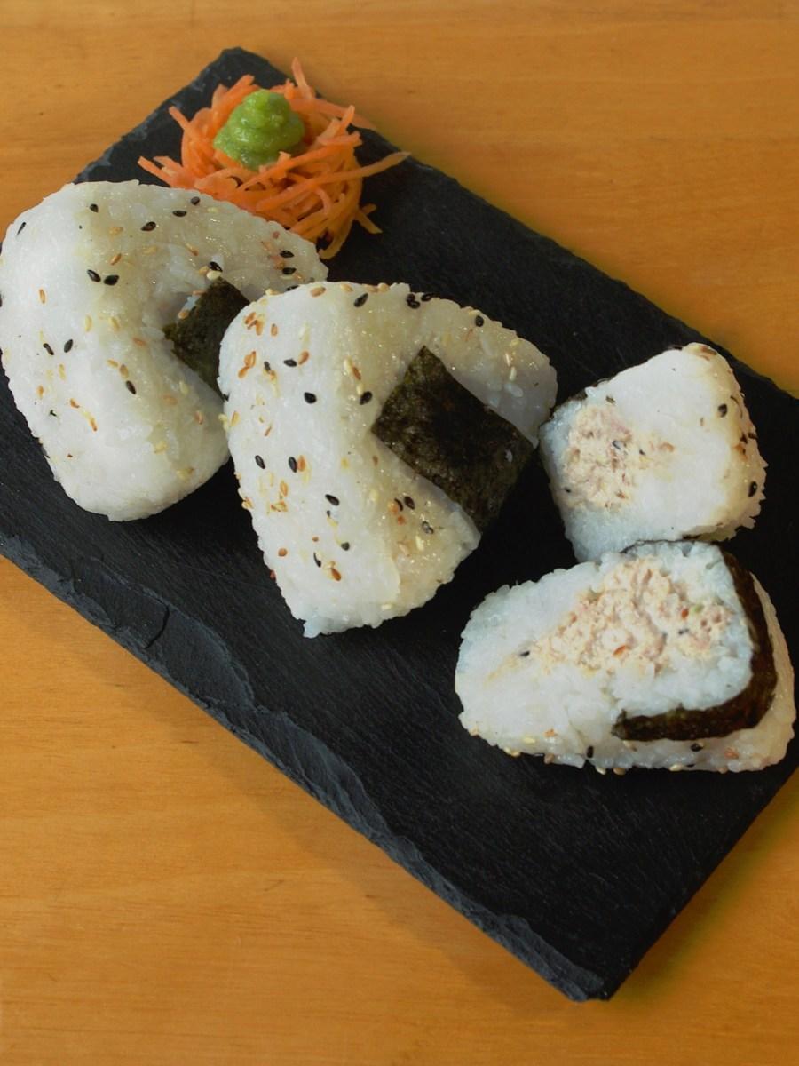Onigiris sésame-thon mayonnaise