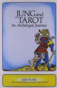 Jung e i Tarocchi: un viaggio archetipico