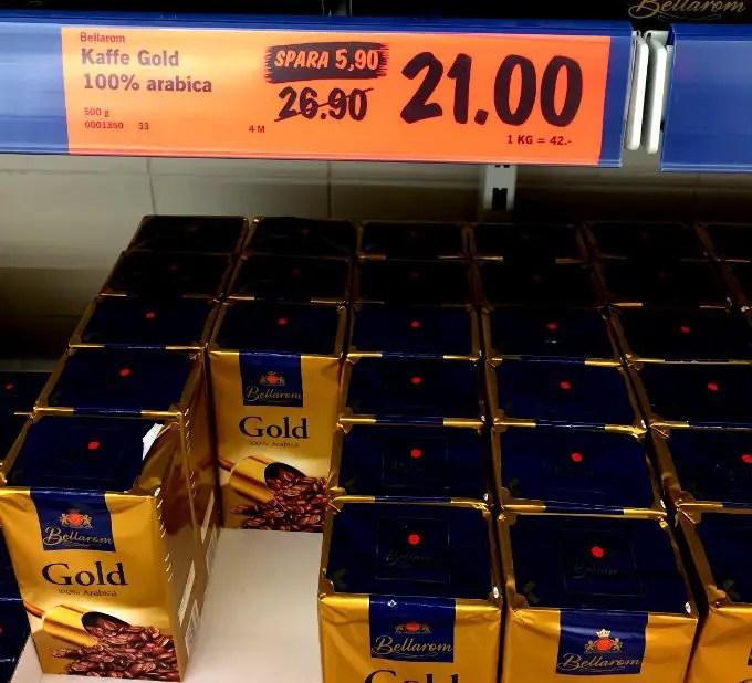 Kaffe ska ligga på under 50 kr/kg max! Kring 20 kr/kg så är det värt att handla på några kilon.